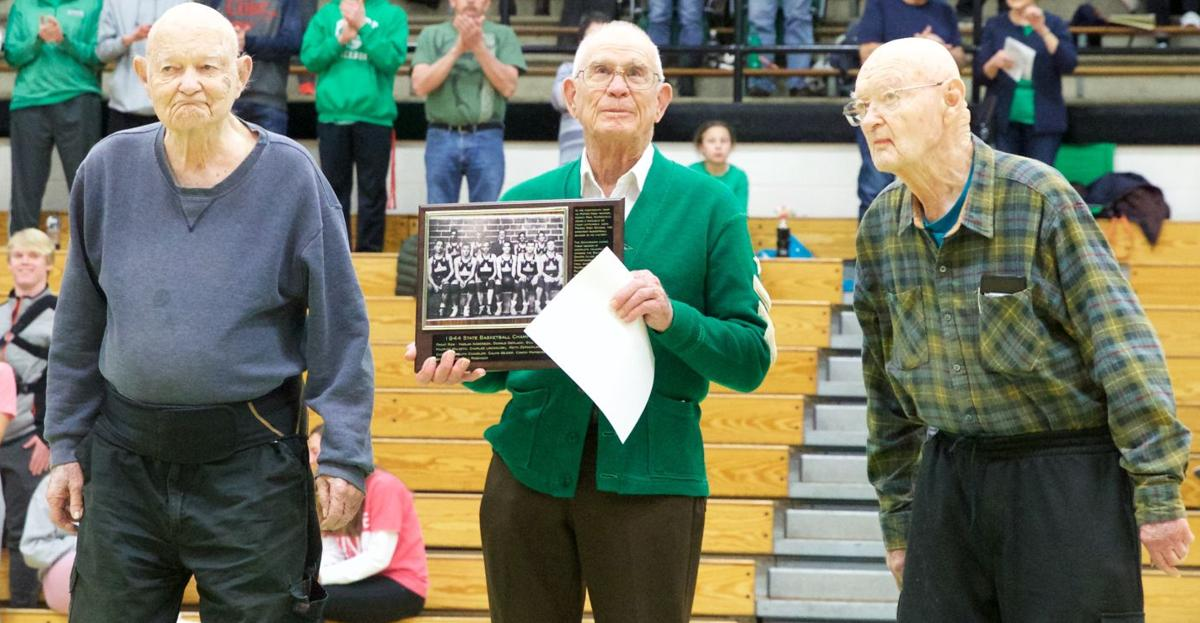 200210-sports-pierreboysbball_Hall of famers_outbound 2.jpg