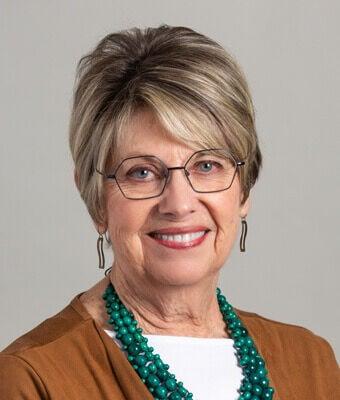 Fort Pierre Mayor Gloria Hanson