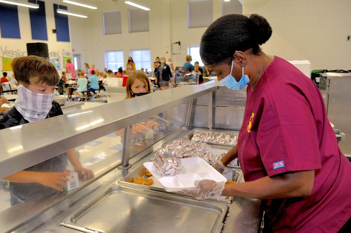 Carteret County Schools searches for cafeterias workers amid shortage