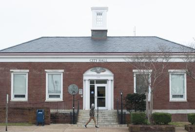 Morehead City Council agrees to sell old city hall
