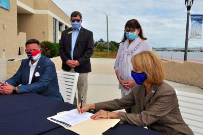 Officials celebrate CCC's USDA grant with signing ceremony