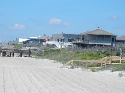 Pine Knoll Shores board discusses county beach nourishment program