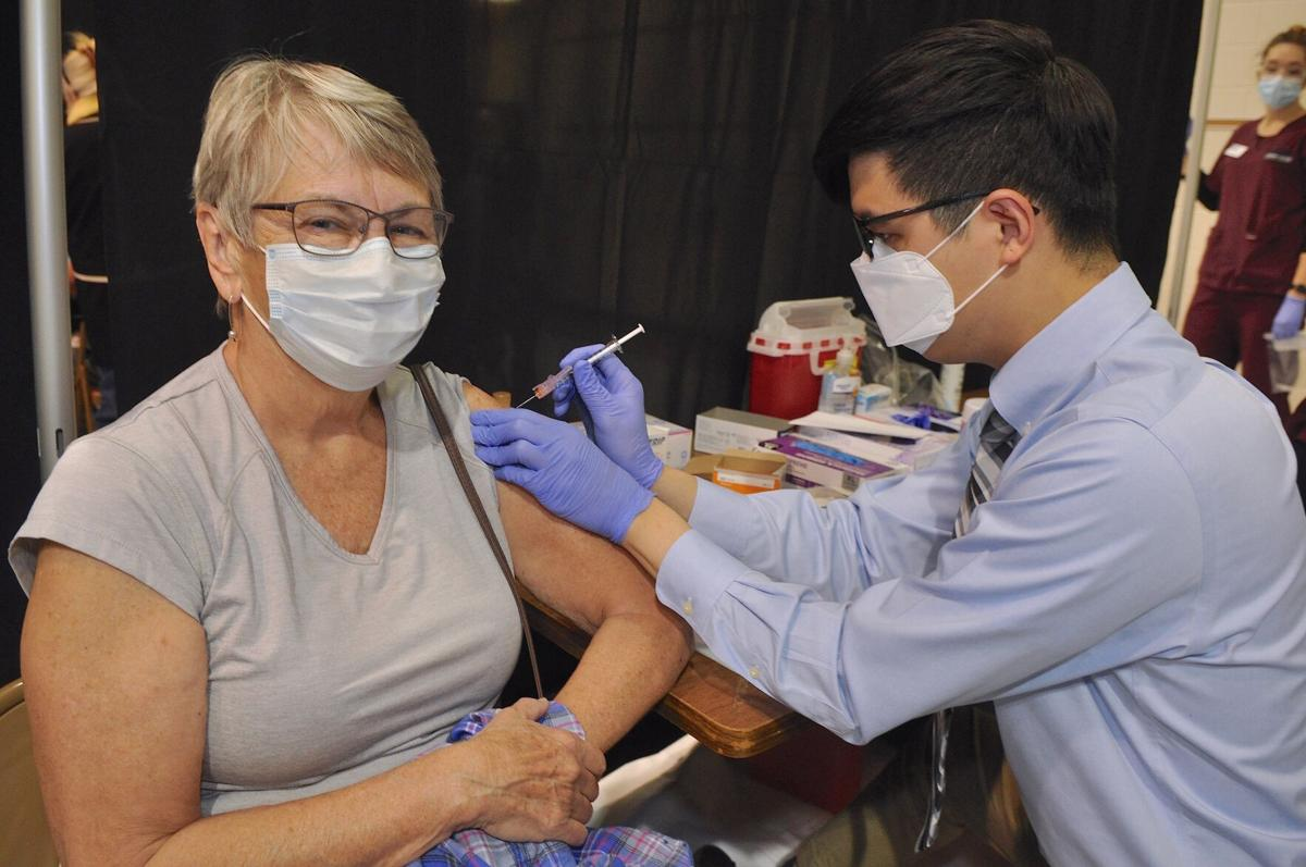 Carteret County agencies join hospital for first mass COVID-19 vaccination clinic
