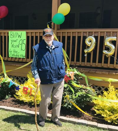 Neighborhood marks World War II veteran's 95th birthday with parade
