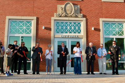 Morehead City community dedicates new city hall Tuesday, pays homage to former Charles Wallace building
