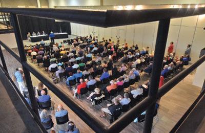 Public shows up for offshore oil exploration forum
