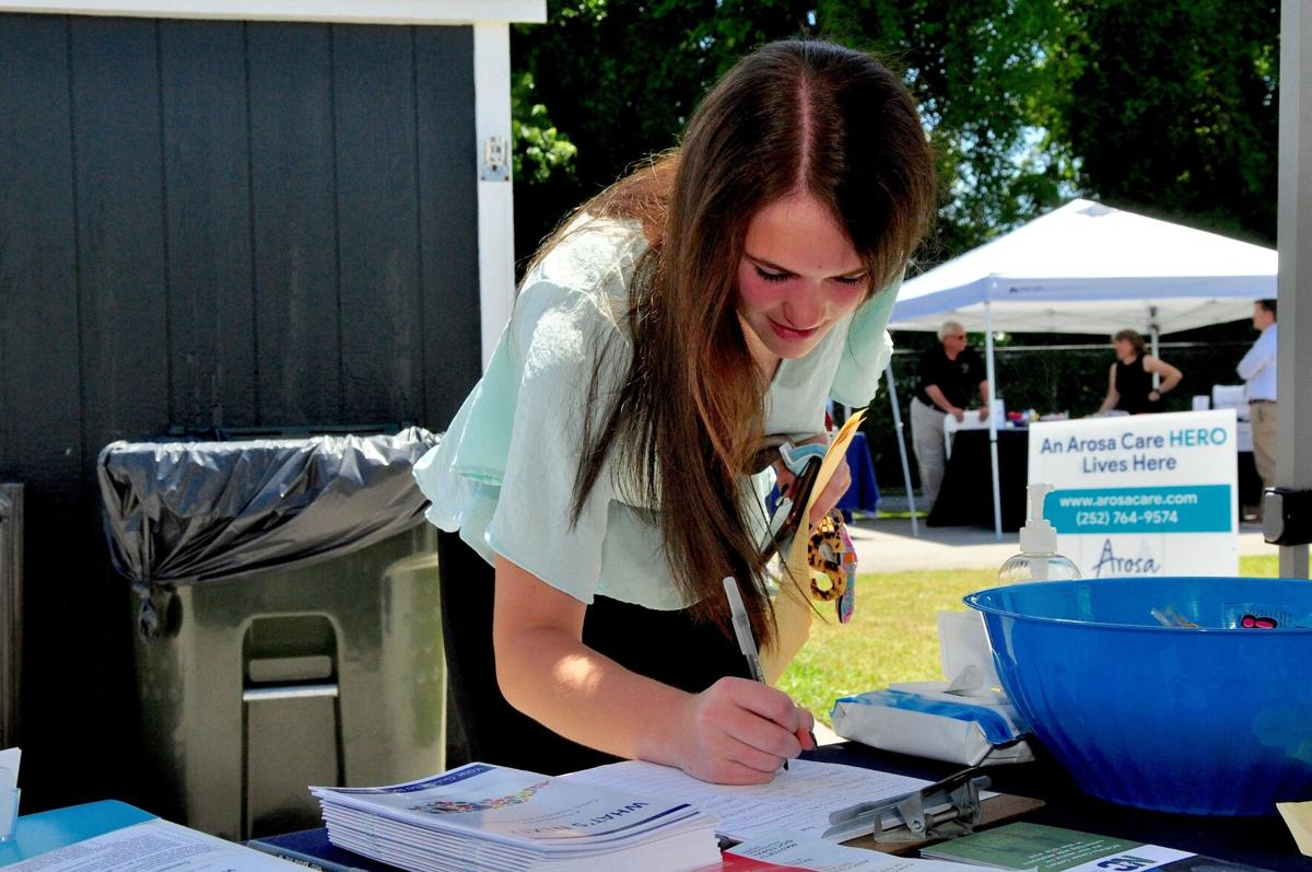 Area high school students find plenty of hiring opportunities at job fair
