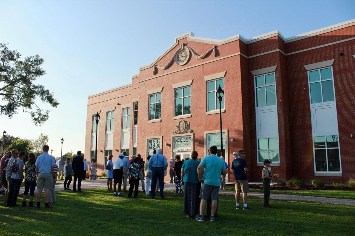 GALLERY: Morehead City community dedicates new city hall Tuesday, pays homage to former Charles Wallace building
