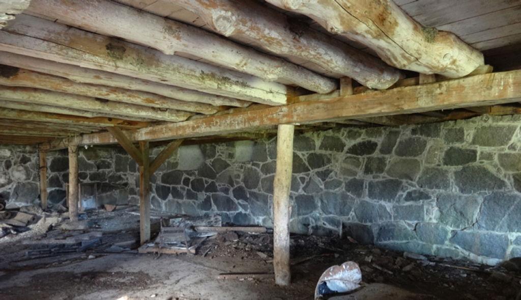 Brad Jones barn basement