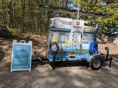Boat Cleaning Mobile Units visits Kingston Lake