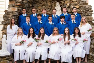 Mt. Aviat Class of 2019 graduates