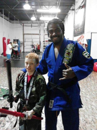 LOCAL ROUNDUP: Lee shines at grappling tournament