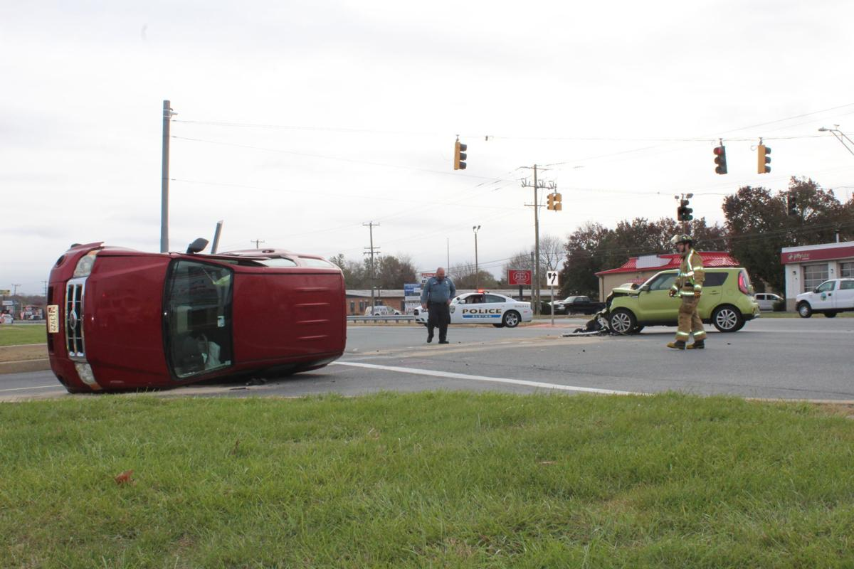 Wreck in front of Big Elk Mall snarls Monday morning traffic