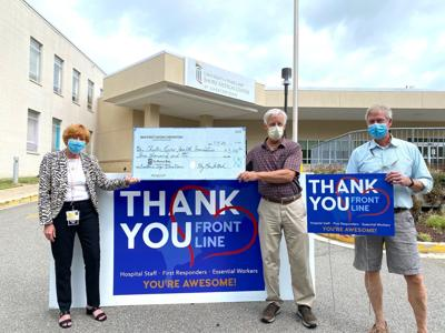 Donors to front-line thank you signs raise $3,000 for hospital foundation