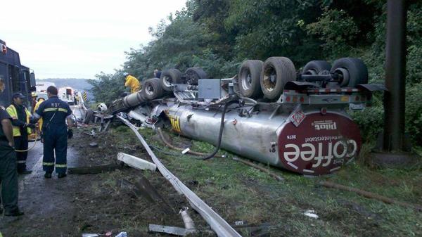 Diesel tanker crash snarls I-95 traffic, spills fuel in river
