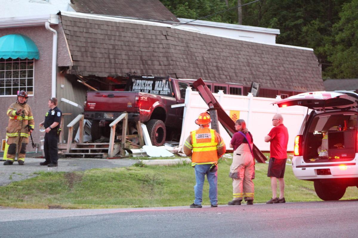 Pick up truck slams into Rookie's Hilltop Inn