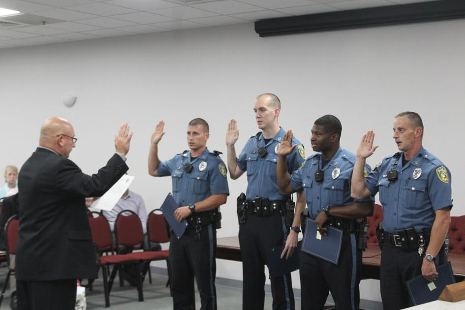 elkton swears in four new police officers