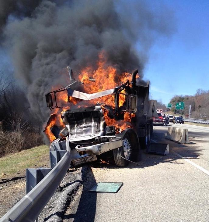 Northbound I-95 crash kills one, shuts down two lanes
