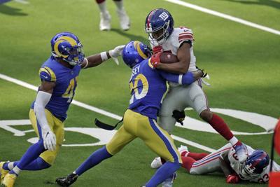 Giants Rams Football