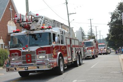 SunFest Parade paused for car fire (copy)
