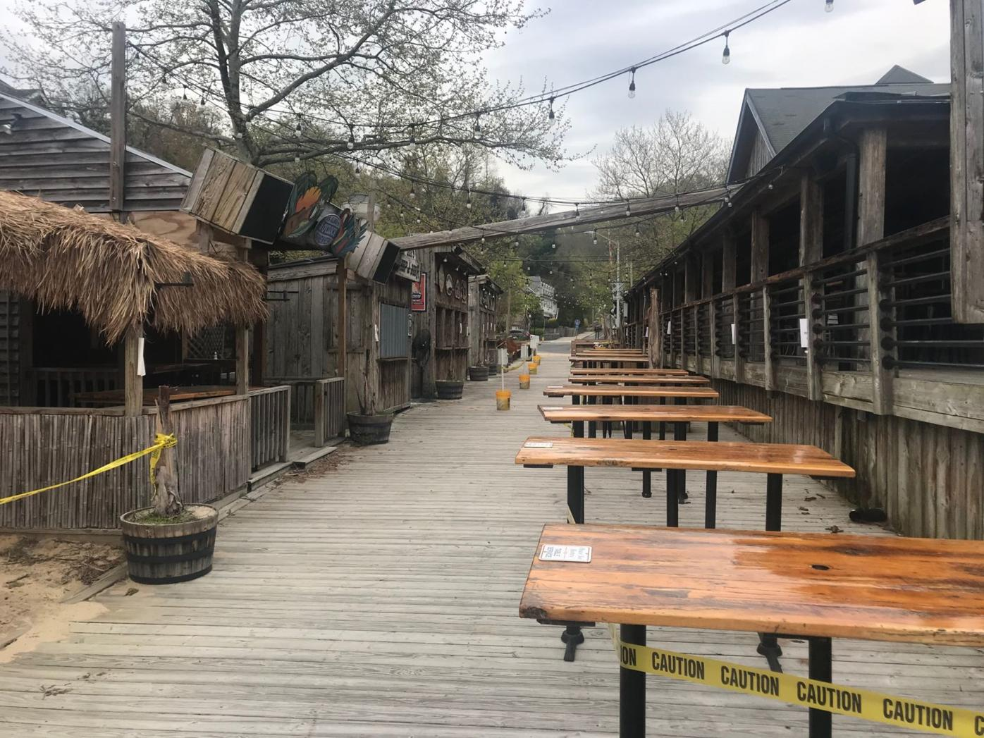 Lee's Landing owner upset about police presence