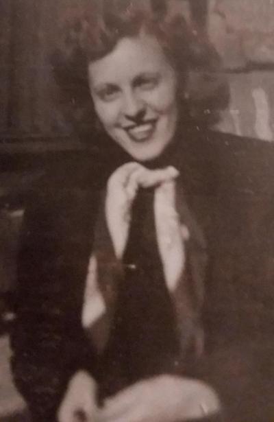 Evelyn C Rouillot