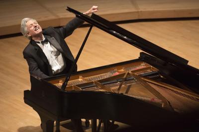 Pianist resumes Piano Talk series