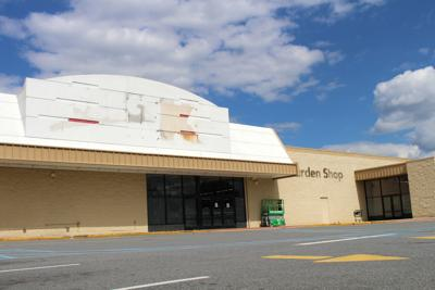 Former Kmart to reopen as Ollie's