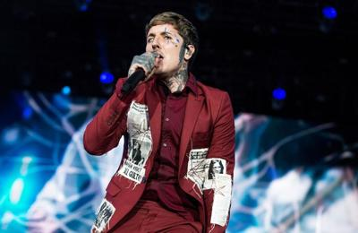 oli sykes thanks fans for 39 saving his life 39 during emotional all points east headline set. Black Bedroom Furniture Sets. Home Design Ideas