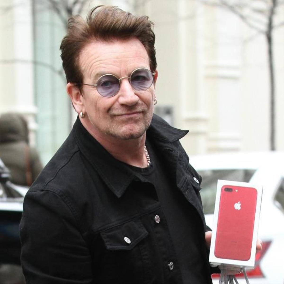 Bono says he's just like ego mad Robbie Williams   Music