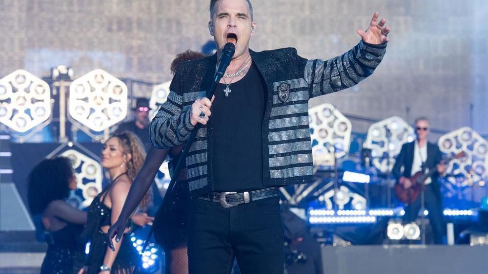 Robbie Williams' daughter Teddy features on his Christmas album | Music | celebretainment.com