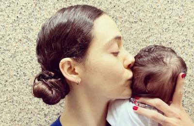 Emmy Rossum's baby has COVID antibodies
