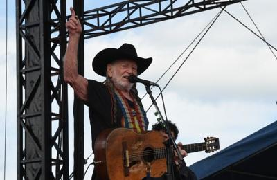 Willie Nelson cancels tour due to breathing problem | Music