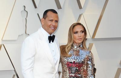 Alex Rodriguez buys car for Jennifer Lopez