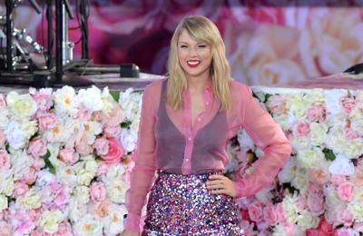 Taylor Swift 'made ugly faces' recording new album