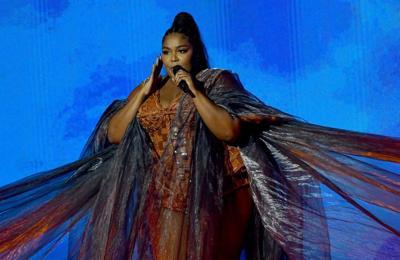 Lizzo praises Beyonce as she accepts BET Award