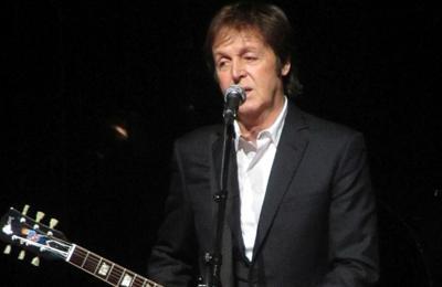 Sir Paul McCartney pays tribute to Beatles photographer Robert Freeman