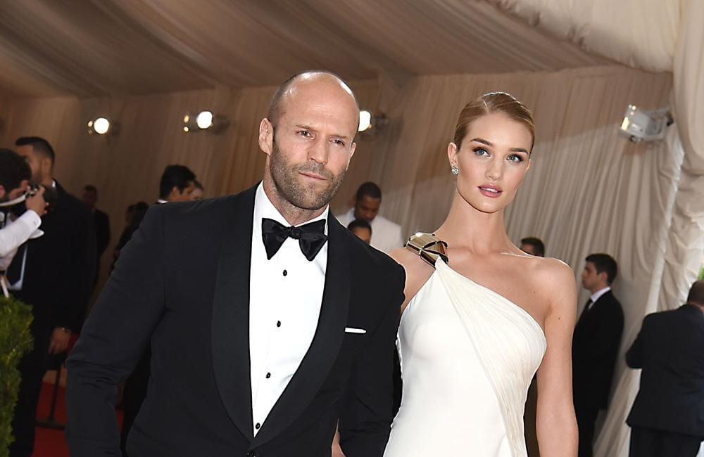 Jason Statham sets wedding date