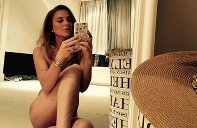 Lindsay Lohan posts nude selfie to celebrate 32nd birthday