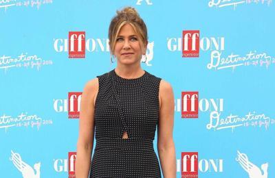 Jennifer Aniston has 'goddess circle' with pals