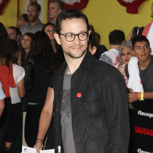 joseph gordon levitt defends star wars the last jedi in essay  joseph gordon levitt defends star wars the last jedi in essay