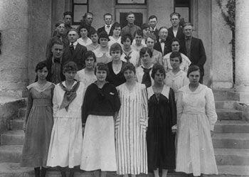 Chino High School graduating class of 1918