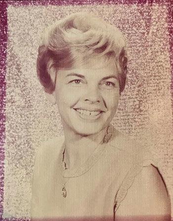 Lorraine Richartz