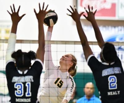 Knights girls' volleyball reach Division 3 title game
