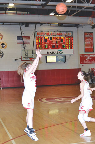Lexi Smyser shoots early in the first quarter