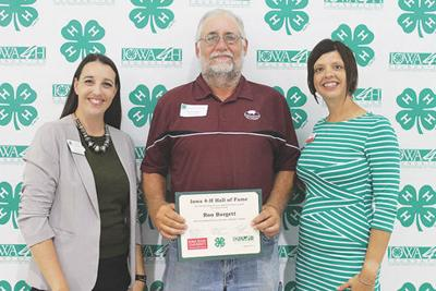 Burgett inducted into Iowa 4-H Hall of Fame