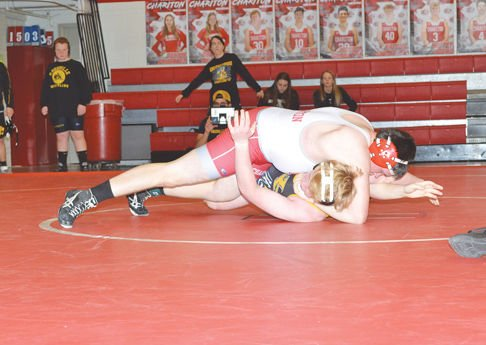Joey McDonough pins Knoxville opponent