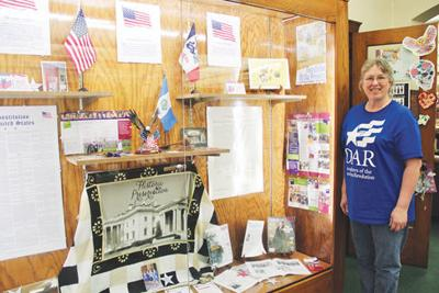 Daughter of the American  Revolution presents in Chariton