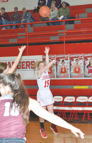Sophie Swarthout shooting three-pointers