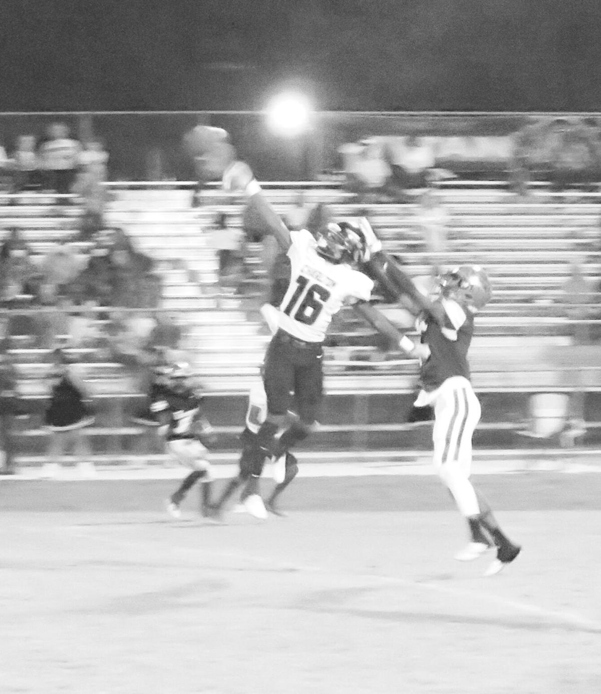Mistakes prove costly as Indians fall to Turner County, 13-7 on Friday